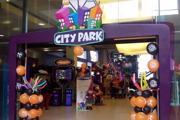 City Park C.C Ventura Plaza