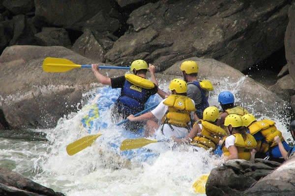Dosis Verde - Rafting Y Turismo De Aventura / Bogotá